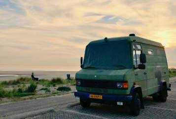 Hire a motorhome in De Bilt from private owners| Mercedes Benz Stoere 609D