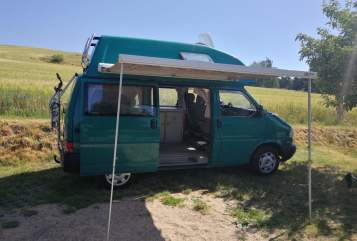 Hire a motorhome in Radebeul from private owners| VW Heinrich
