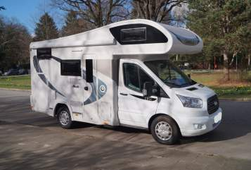 Hire a motorhome in Hamburg from private owners| Chausson Womi