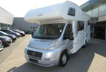 Hire a motorhome in Hamburg from private owners  LMC Zitronenjette
