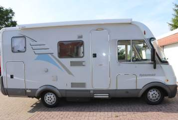 Hire a motorhome in Salzgitter from private owners| Hymer Hymer B 504
