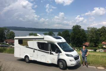 Hire a motorhome in Nordhackstedt from private owners| Carado  Carado