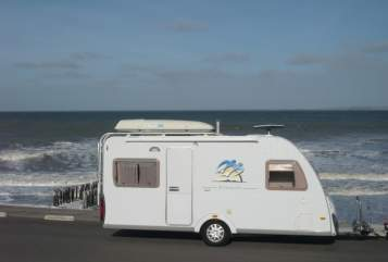 Hire a motorhome in Witten from private owners| Knaus Suse