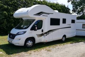 Hire a motorhome in Panketal from private owners  XGO LR53