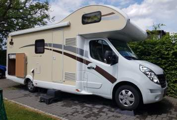 Hire a motorhome in Leverkusen from private owners| Ahorn Ahörnchen