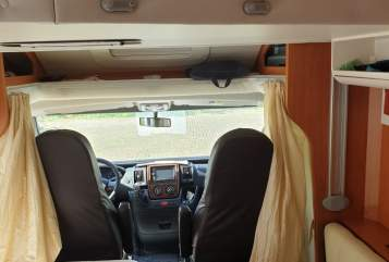 Hire a motorhome in Itzehoe from private owners| Industrie Giottiline SPA Mobi
