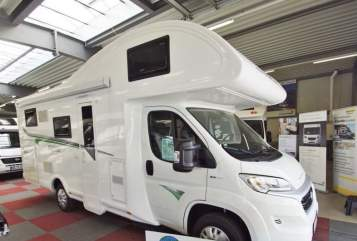 Hire a motorhome in Hückeswagen from private owners| Forster  MüMo