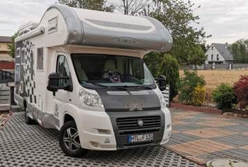 Hire a motorhome in Grimma from private owners| Rimor Willy