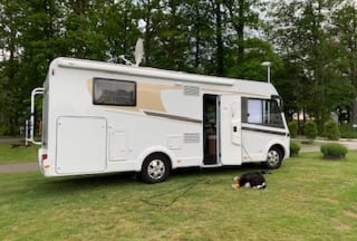 Hire a motorhome in Essen from private owners| Carado Pit