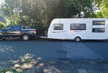 Hire a motorhome in Hamm from private owners  LMC  Hälgar