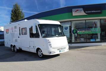 Hire a motorhome in Overath from private owners| Niesmann & Bischoff Merlin