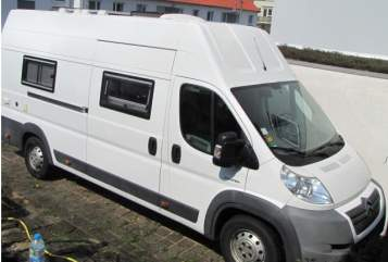 Hire a motorhome in Vaihingen an der Enz from private owners| Knobloch  Womo