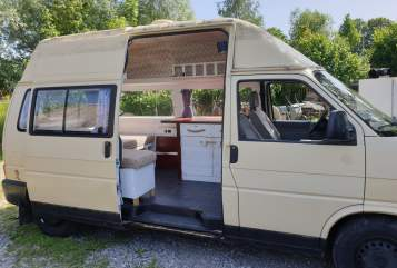 Hire a motorhome in Friedrichshafen from private owners| VW Sternschnuppe