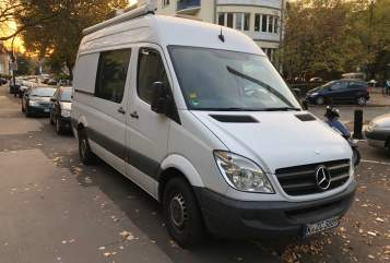 Hire a motorhome in Köln from private owners| Mercedes Sprintii
