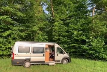 Hire a motorhome in Esslingen am Neckar from private owners| Pössl EsKaPe