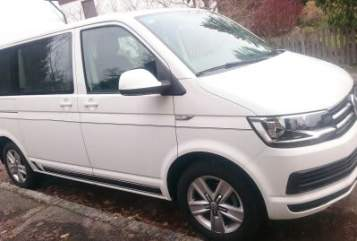 Hire a motorhome in Krumbach from private owners| VW Bus T 6 Multivan Comfortline White Bully