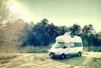 Hire a motorhome in Osnabrück from private owners| Mercedes Benz - Westfalia James