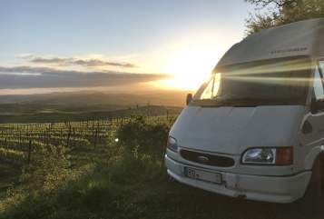 Hire a motorhome in Großkarolinenfeld from private owners| Ford JoJulTo