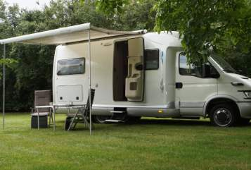 Hire a motorhome in Westerholz from private owners| Giottiline Graal
