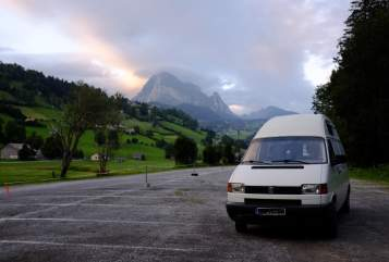Hire a motorhome in Freising from private owners| VW Hotel T4