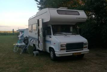 Hire a motorhome in Amstelveen from private owners| FIAT Retro Fiat 86!
