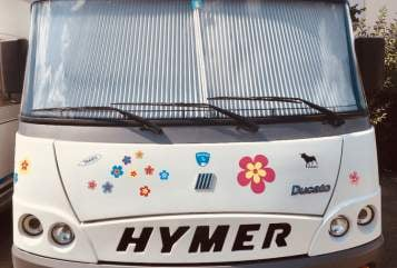 Hire a motorhome in Friedrichshafen from private owners| Hymer Eriba Blümchen