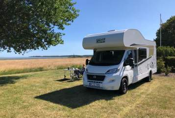 Hire a motorhome in Tornesch from private owners| Carado WOW-mobil