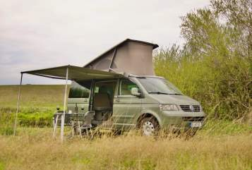 Hire a motorhome in Gelsenkirchen from private owners| VW T5 Camper 4x4