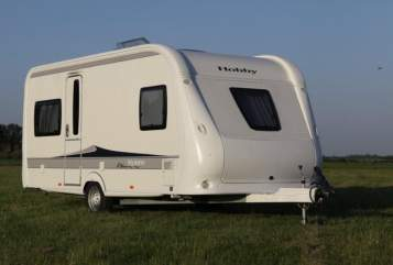 "Hire a motorhome in Stadtkyll from private owners| Hobby ""Hobby De Luxe"""