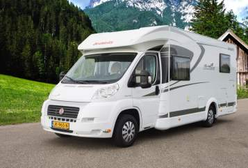 Hire a motorhome in Maasbree from private owners| Dethleffs Dethleffs 4pers