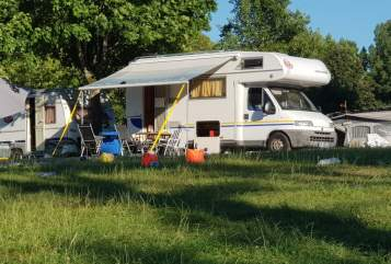 Hire a motorhome in Freiburg im Breisgau from private owners| Fiat Ducato 2.8 TDI Eura Mobil