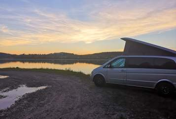 Hire a motorhome in Lindenberg i. Allgäu from private owners| Mercedes Benz V Mr. Grey