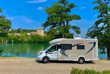 Hire a motorhome in Soest from private owners| Chausson mobiles Sofa