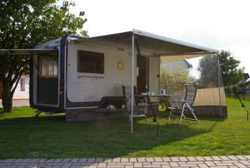 Hire a motorhome in Goldkronach from private owners| Knaus Deseo Transport