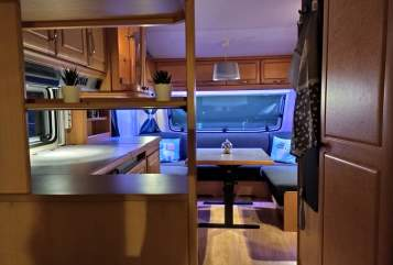 Hire a motorhome in Freisbach from private owners| Hobby Panzer