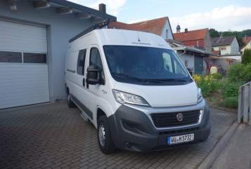 Hire a motorhome in Sommerhausen from private owners| Weinsberg Touri I