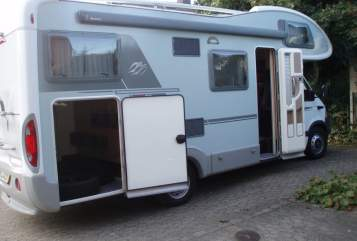 Hire a motorhome in Mönchengladbach from private owners| Knaus Automatik Knaus