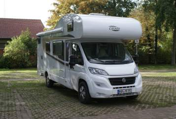 Hire a motorhome in Mandelbachtal from private owners| Carado Herr Schröder