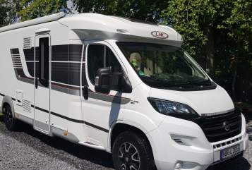 Hire a motorhome in Hage from private owners| LMC Traummobil