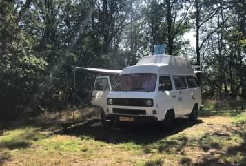 Hire a motorhome in Aalsmeer from private owners| Volkswagen Volkswagen T3