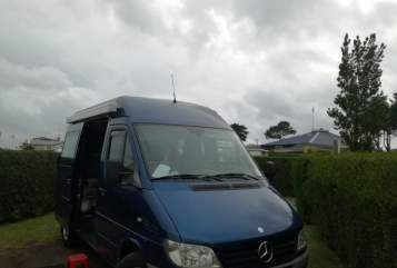 Hire a motorhome in Berlin from private owners| Mercedes Blauer Sprinter