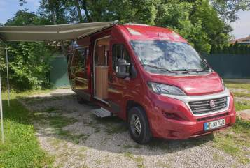 Hire a motorhome in Waldshut-Tiengen from private owners| Weinsberg Duetto