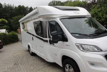 Hire a motorhome in Hasbergen from private owners| Carado Wohnmobil