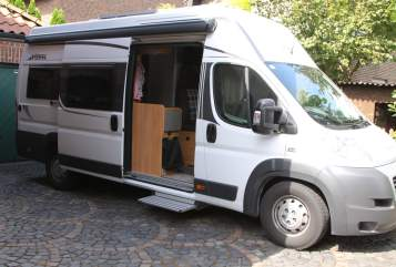 Hire a motorhome in Dorsten from private owners| Pössl  Berti