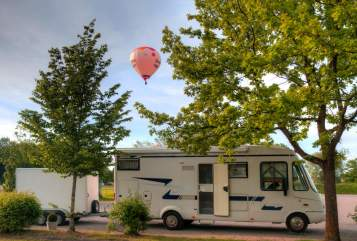 Hire a motorhome in Marktoberdorf from private owners| Concorde Charisma