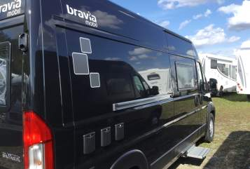 Hire a motorhome in Ronnenberg from private owners| Bravia  Schwarzfahrer
