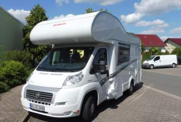 Hire a motorhome in Graben-Neudorf from private owners| Dethleffs Sonnenschein