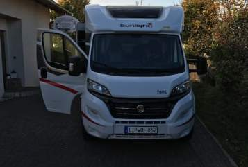Hire a motorhome in Bad Salzuflen from private owners| Sunlight Sunny