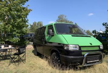 Hire a motorhome in Berlin from private owners| VW Hippe