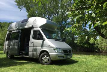 Hire a motorhome in Dresden from private owners| Mercedes-Benz James